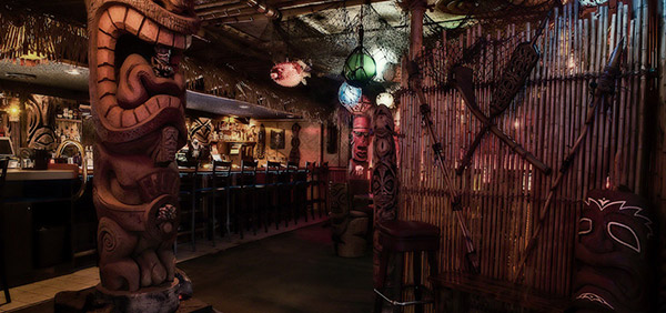decor-tiki-art-bar-lounge-hawaii