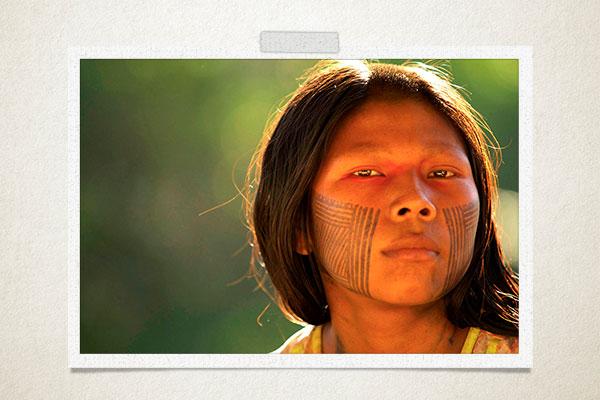 Jovem-indígena-olhar-pintura-facial