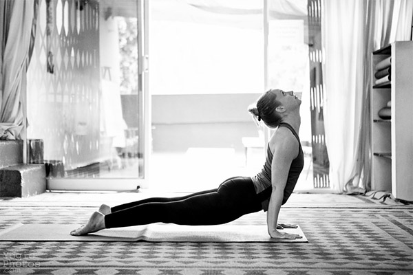 Prática-Ásana-Yoga-Estilo-Vida-08