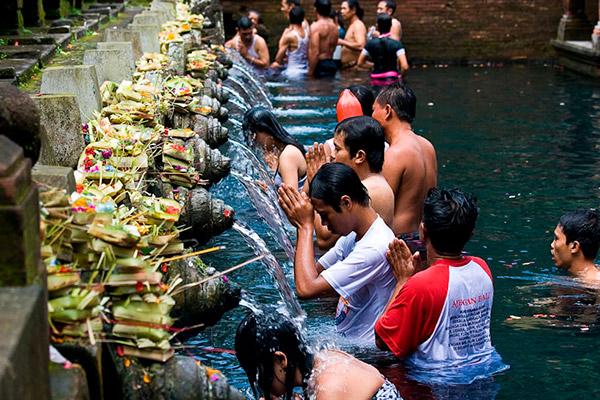 Templo-Pura-Tirta-Empul-Hinduísmo