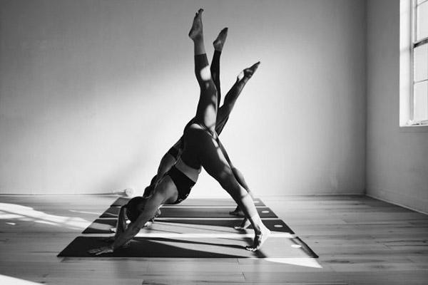 pratica-yoga-ambiente-zen