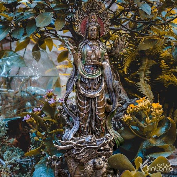 estátua-kuan-yin-dragão-budista-pintada