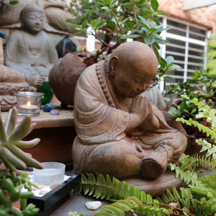 arte-bali-rustico-buddha-oração-cimento