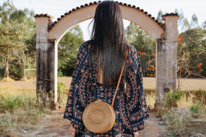 moda-balinesa-bolsa-redonda-rattan
