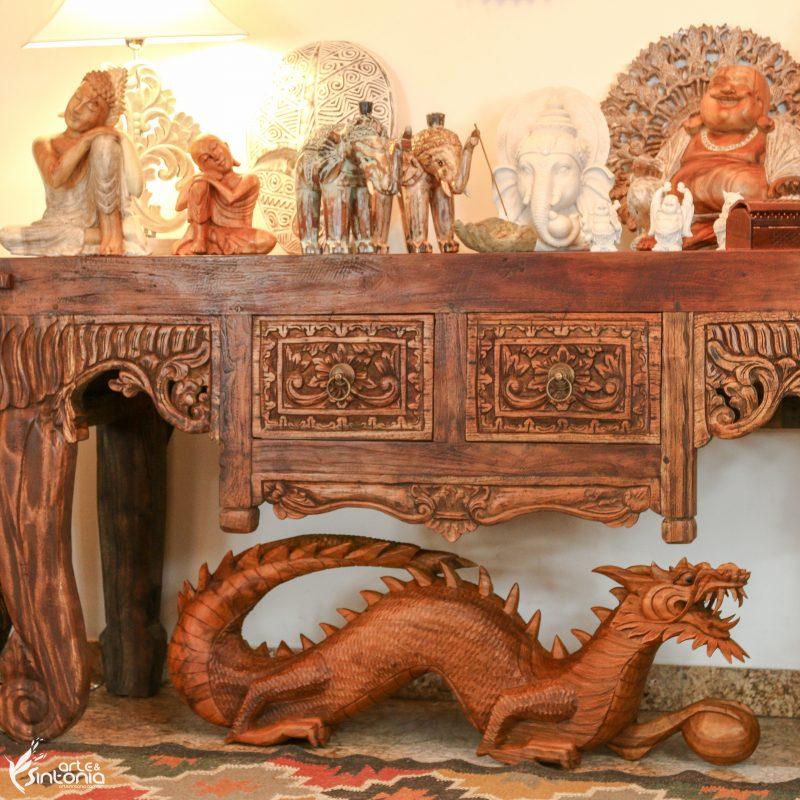 decoração-rústica-bali-escultura-dragão