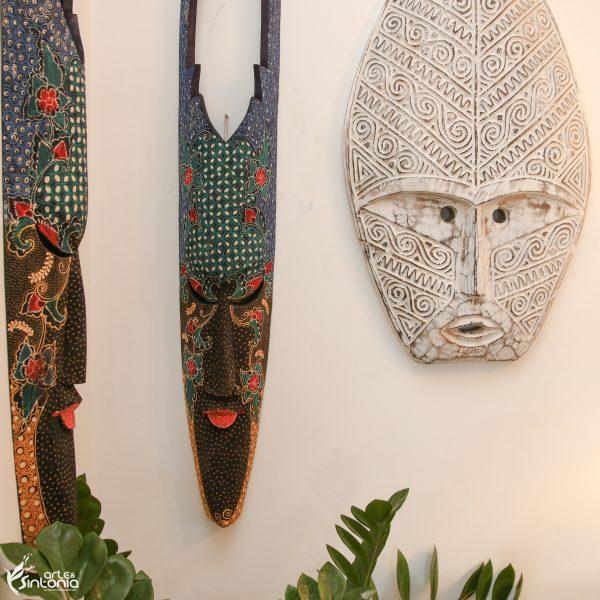 máscara-decorativa-artesanal-pintura-escultura-ambiente