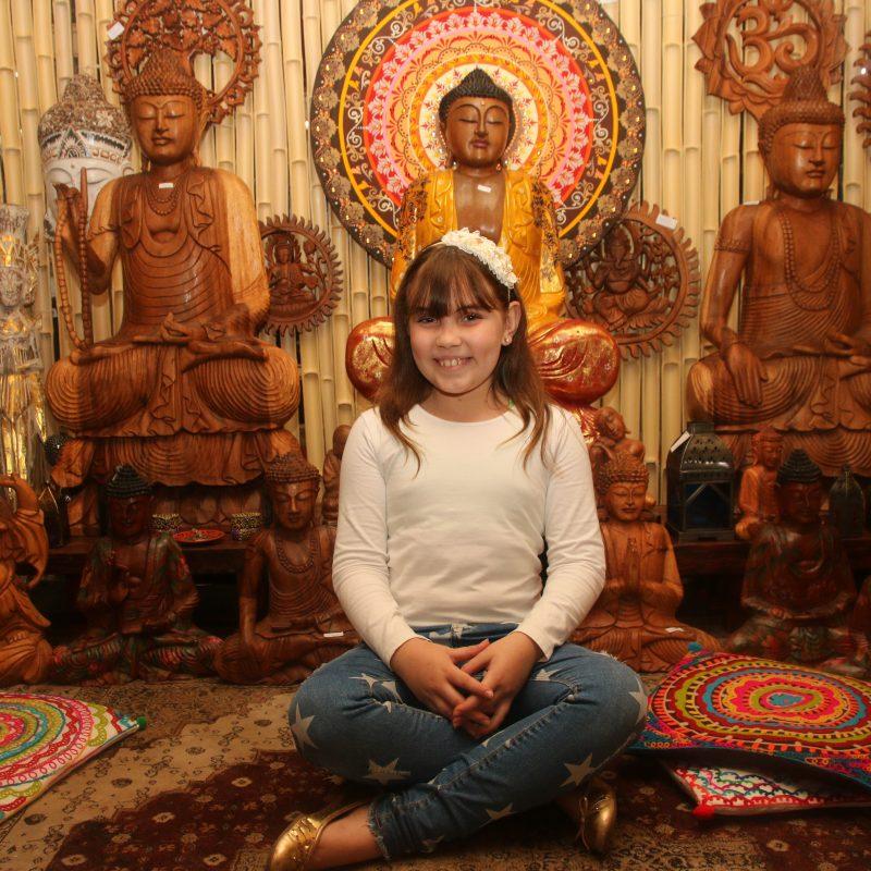 espaço-zen-buddha-decorativo-madeira-estatua