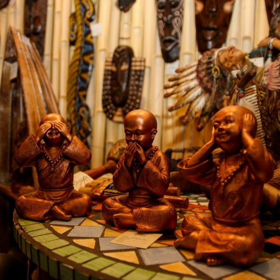 esculturas-buddhas-cego-surdo-mudo-decoração