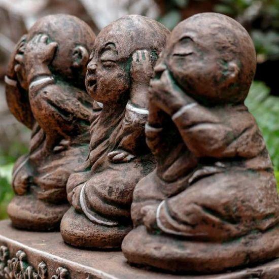 esculturas-budas-sábios-jardim