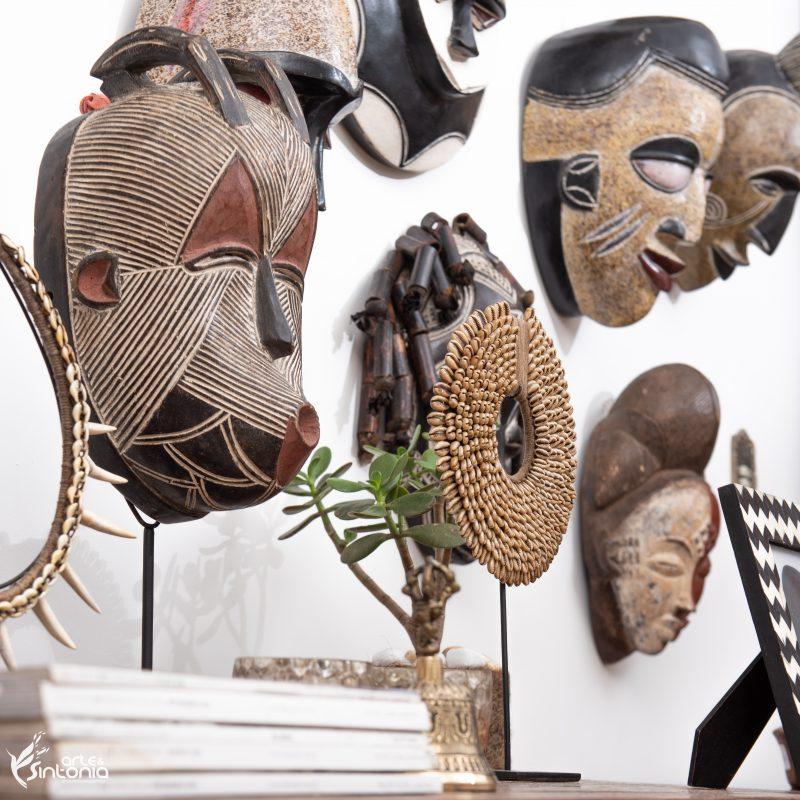 decoracao-etnica-estilo-rustico-mascaras-africanas-tribais