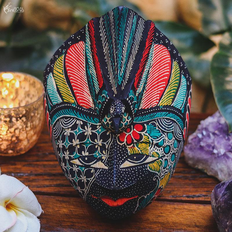 mascara-madeira-rustica-pintura-colorida-batik