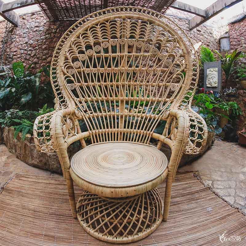 cadeira-madeira-pavao-decoracao-ambiente-externo