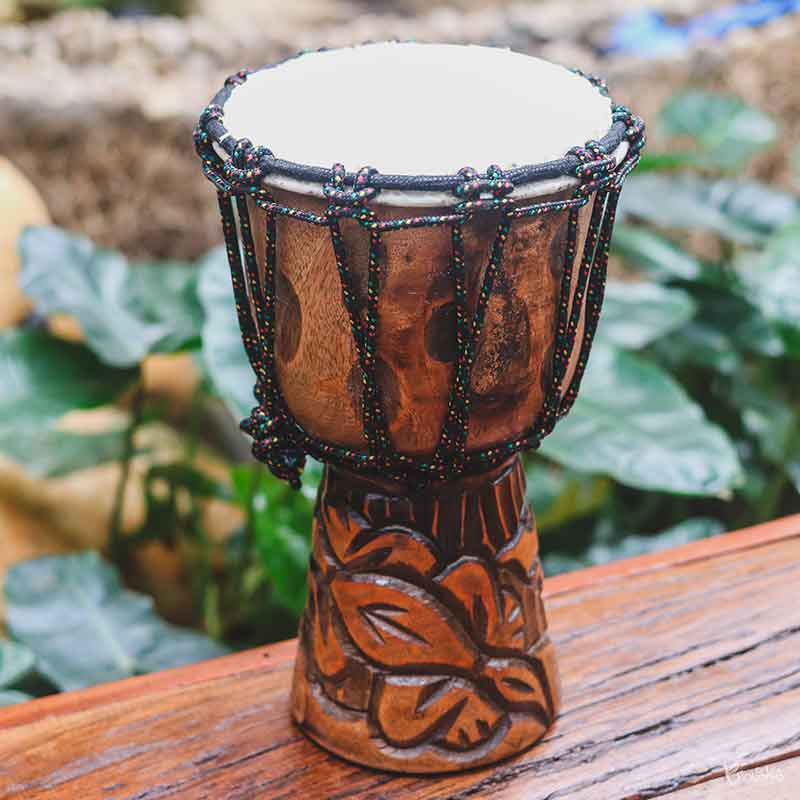 tambor-madeira-rustica-entalhada-djembe-balines