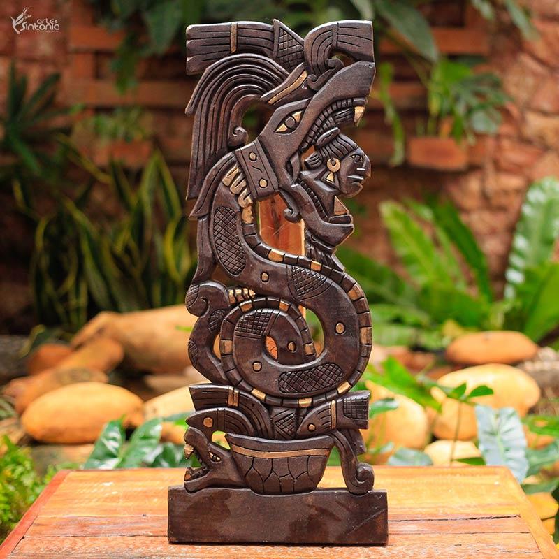 painel-madeira-marrom-deus-serpente-emplumada-quetzalcoatl-povos-astecas